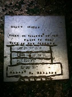 Passage42_plaque.jpg: 525x700, 123k (April 15, 2010, at 04:32 AM)